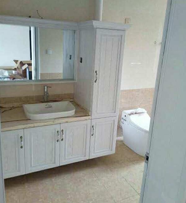 大连全铝浴室柜安装